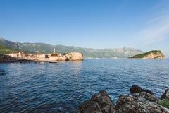 Вид на море городка и Адриатического моря Budva старый Стоковое фото RF