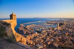 Вид на море на городе на береговой линии Стоковое Изображение