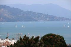 Вид на море перед заливом Сан-Франциско горы, Калифорнией, США Стоковые Фотографии RF