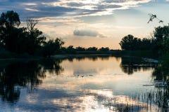 Вид на озеро вечера Стоковое Изображение RF