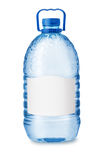 Вид спереди большой пластичной бутылки с водой с пустым ярлыком Стоковые Изображения