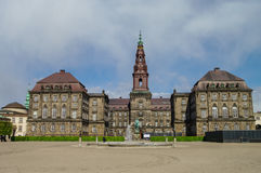 Вид спереди дворца Christianborg в Копенгагене, Дании Copenhag Стоковая Фотография RF
