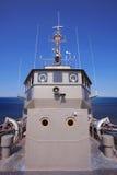 Вид спереди комнаты управления по мостовой схеме корабля войск против ясного bl стоковое фото rf