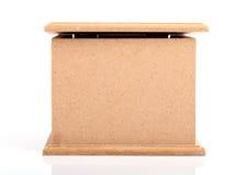 Вид спереди коричневой деревянной коробки Стоковые Изображения