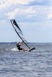 Вид спереди молодого windsurfer Стоковые Фотографии RF