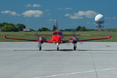 Вид спереди на самолете красного цвета Стоковое Фото