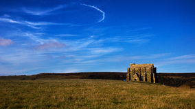Вид спереди часовни в солнечном ландшафте Стоковые Фото