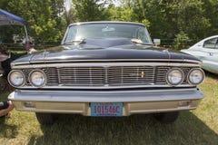 Вид спереди 1954 черное Форд Galaxie Стоковые Фотографии RF
