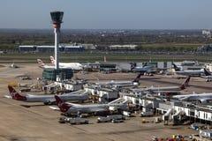 Вид с воздуха авиапорта Лондона Хитроу стоковая фотография rf