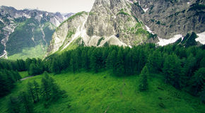 Вид с воздуха ландшафта горы, Vrsic, Словении Стоковая Фотография