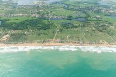 Вид с воздуха берегов Cotonou, Бенина стоковая фотография rf