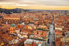 Вид с воздуха болонья, Италии на заходе солнца Стоковые Изображения