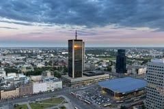 Вид с воздуха Варшавы городской на времени сумрака Стоковое Фото