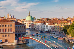 Вид с воздуха Венеции на заходе солнца, Италии Стоковые Фотографии RF