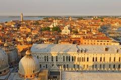 Вид с воздуха Венеции от колокольни Сан Marco, Стоковая Фотография