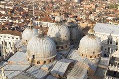 Вид с воздуха Венеции рассматривать взгляд крыши Базилики di Сан Marco Стоковое Изображение RF