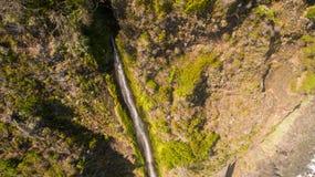 Вид с воздуха водопада и океана в острове Мадейры Стоковая Фотография