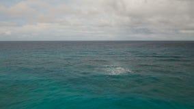 Вид с воздуха воды поверхностный в штормовой погоде Остров Филиппины Boracay видеоматериал