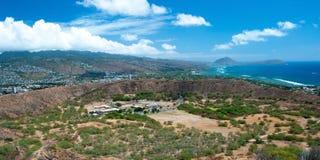 Вид с воздуха Гонолулу и Waikiki приставают к берегу от головы диаманта Стоковое фото RF