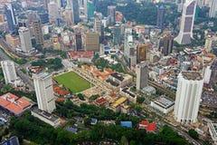 Вид с воздуха горизонта Dataran Merdeka Куалаа-Лумпур Стоковое фото RF