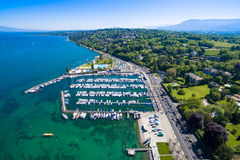 Вид с воздуха города женевского озера Leman в Швейцарии Стоковые Изображения