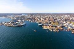 Вид с воздуха Глостера, накидка Энн, Массачусетс стоковое изображение rf