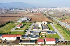 Вид с воздуха завода по обработке нечистот города Giannitsa Стоковые Фотографии RF
