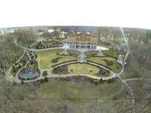 Вид с воздуха загородного дома с красивой долиной Стоковое Изображение