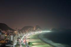 Вид с воздуха известного пляжа Copacabana в Рио-де-Жанейро стоковое изображение