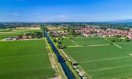 Вид с воздуха канала Роны - Рейна в Эльзасе, Франции Стоковое Фото