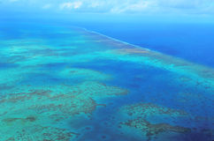 Вид с воздуха кораллового рифа arlington на большом барьерном рифе Qu стоковая фотография