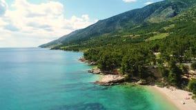 Вид с воздуха красивого побережья Хорватии и Далмации