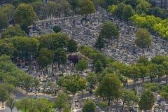 Вид с воздуха кладбища Pere Lachaise принятого от Montparnasse к стоковые изображения rf