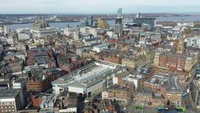 Вид с воздуха Ливерпуля, Англии сток-видео