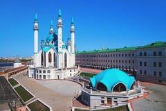 Вид с воздуха мечети Qol Sharif внутри Казани Кремля, России стоковое фото