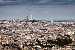 Вид с воздуха на холме Montmartre и церков Sacre-Coeur Стоковое Изображение RF