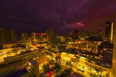Вид с воздуха ночи Waikiki Стоковая Фотография