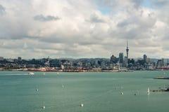 Вид с воздуха Окленда и залива Hauraki Стоковое фото RF