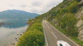 Вид с воздуха дороги горы сток-видео