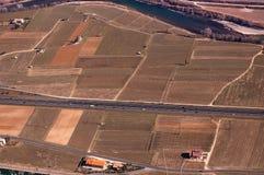 Вид с воздуха долины Адидже - Италии стоковые фото