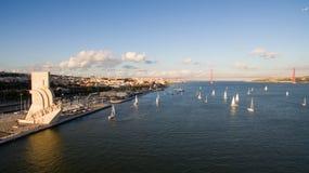 Вид с воздуха памятника к открытиям, района Belem, Лиссабона, Португалии Стоковая Фотография