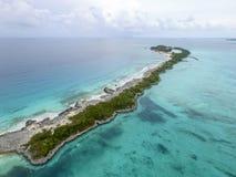 Вид с воздуха песочных пальцев ноги острова, Багамских островов приставает к берегу Стоковая Фотография RF