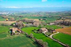 Вид с воздуха пригорода испанского города Vic Испания стоковые изображения