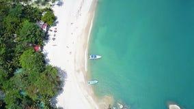 Вид с воздуха пляжа Haad чем Koh Phangan пляжа Sadet видеоматериал