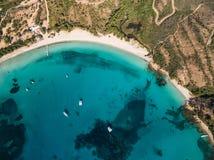 Вид с воздуха пляжа Rondinara в острове Корсики в Франции стоковое фото