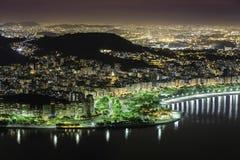 Вид с воздуха Рио-де-Жанейро к ноча Стоковое Фото