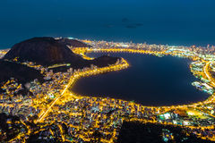 Вид с воздуха Рио-де-Жанейро, к ноча Стоковое Изображение