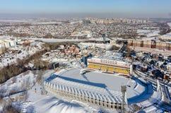 Вид с воздуха современного стадиона города Tyumen Россия стоковое изображение