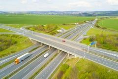 Вид с воздуха соединения перекрестка шоссе стоковое фото rf