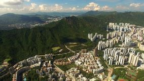 Вид с воздуха сцены Гонконга с гаванью Виктории в солнечном дне акции видеоматериалы